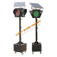 Semafor rutier solar mobil